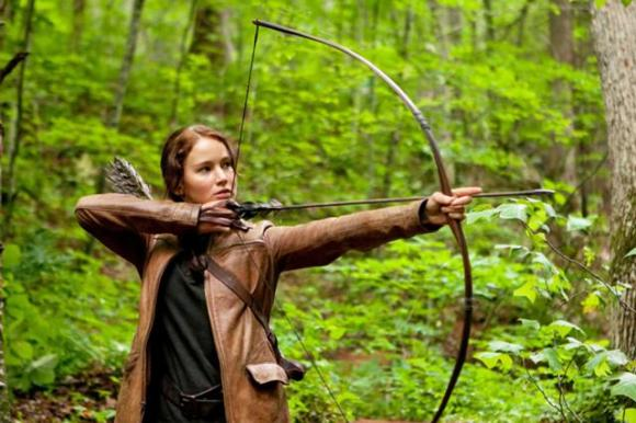640px-Jennifer-lawrence-stars-as-katniss-everdeen-in-the-hunger-games