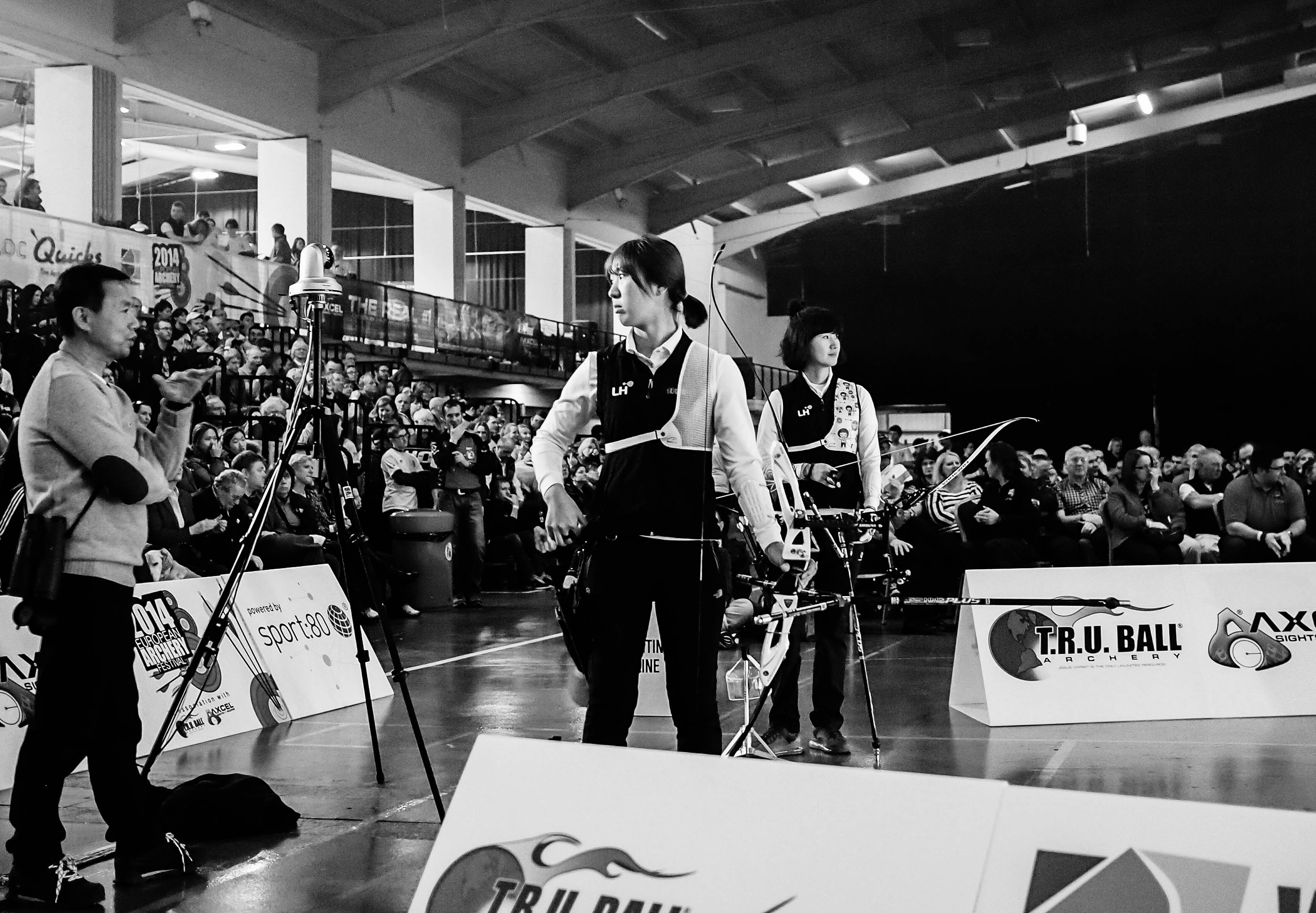 Team LH, finals of the 2014 European Archery Festival. © 2014 The Infinite Curve